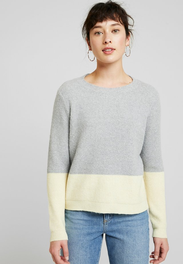 VMDOFFY BLOCK - Jersey de punto - light grey melange/pale banana