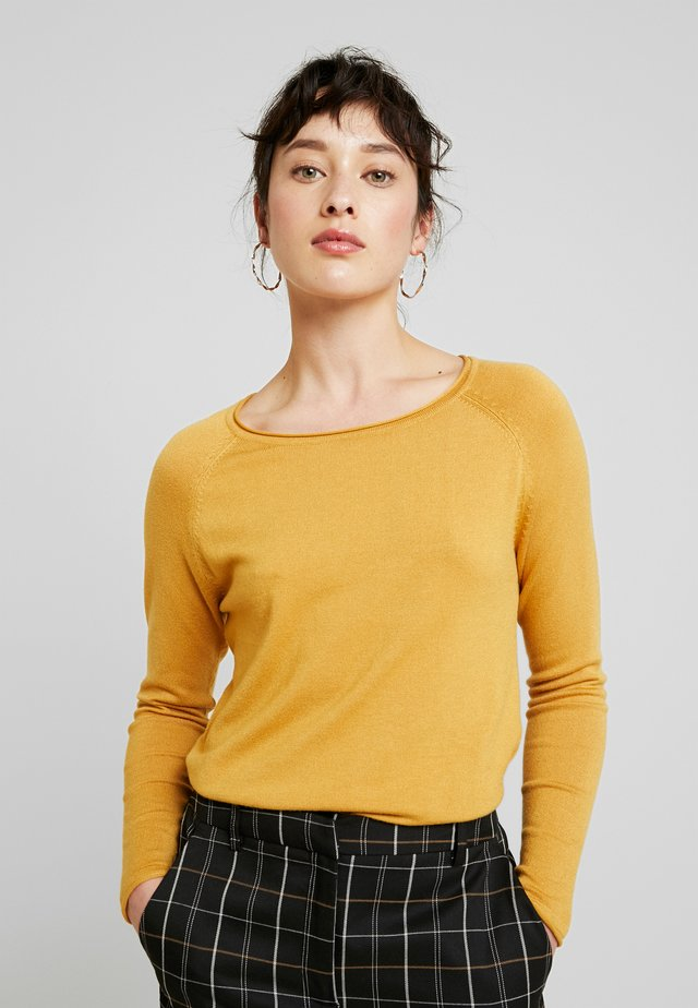 VMNELLIE GLORY LONG - Sweter - amber gold
