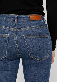 Vero Moda Petite - VMTERESA MR JEANS - Jeans Skinny Fit - dark blue denim - 3