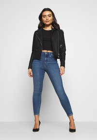 Vero Moda Petite - VMSOPHIA PET - Jeans Skinny Fit - medium blue denim - 1