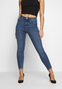 Vero Moda Petite - VMSOPHIA PET - Jeans Skinny Fit - medium blue denim - 0