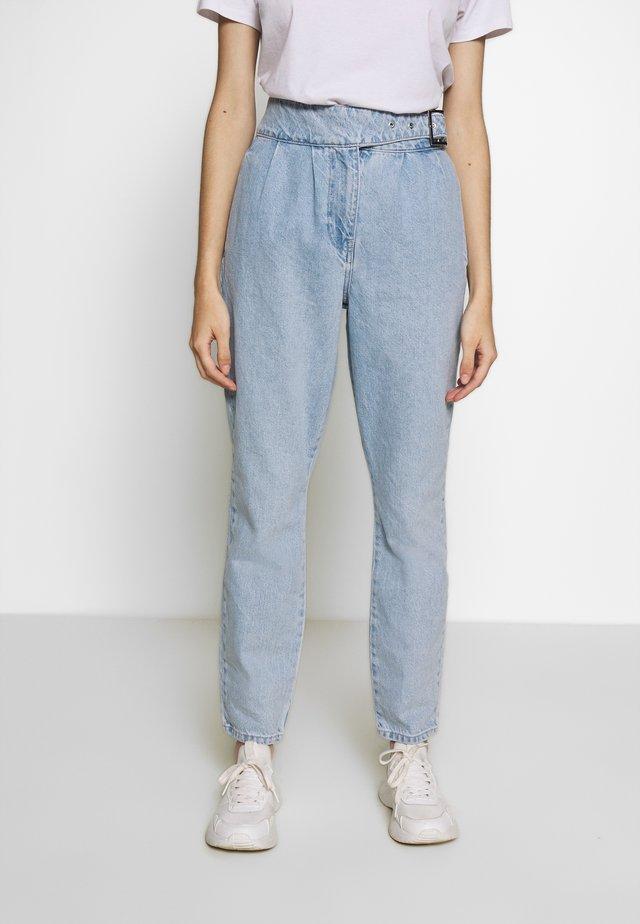 VMAYA BELT - Jeans Skinny - light blue denim