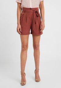 Vero Moda Petite - VMSELINA - Shorts - mahogany - 0