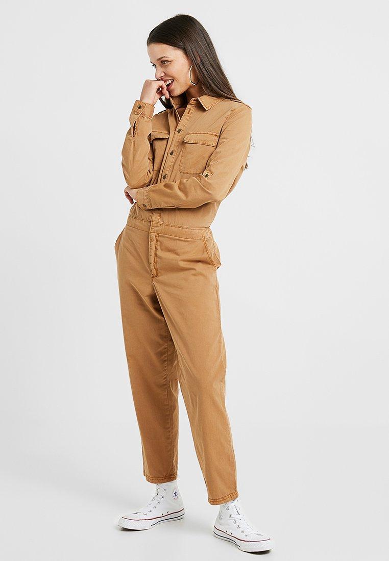 Vero Moda Petite - VMKASSANDRA WORKER - Overal - tobacco brown