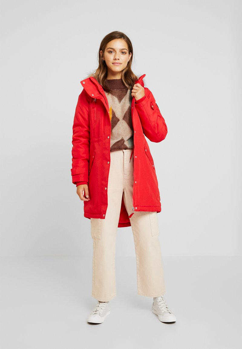 Vero Moda Petite - VMTRACK EXPEDITION - Parka - chinese red