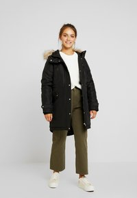 Vero Moda Petite - VMTRACK EXPEDITION - Parka - black - 1