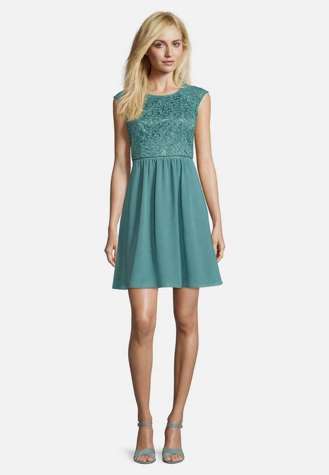 MIT SPITZE - Cocktail dress / Party dress - mint leaf green