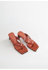 Violeta by Mango - FLIP - Flip Flops - bräunliches orange - 2