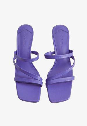 CARDI - Sandaler - violett