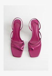 Violeta by Mango - DANNY - Flip Flops - brombeere - 1