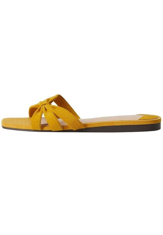 BRAVO - Mules - mustard yellow