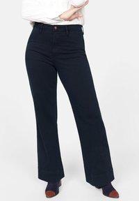Violeta by Mango - CHRISTIN - Flared Jeans - dark navy blue - 0