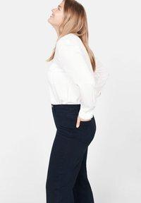 Violeta by Mango - CHRISTIN - Flared Jeans - dark navy blue - 3