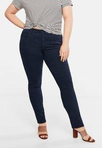 Violeta by Mango - JULIE - Jeans Slim Fit - royal blue - 0