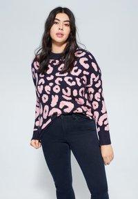 Violeta by Mango - SLIM FIT JEANS SUSAN - Slim fit jeans - diep donkerblauw - 3
