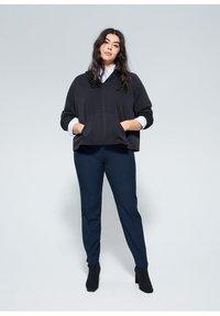 Violeta by Mango - XIPY - Spodnie materiałowe - dunkles marineblau - 1