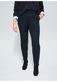 Violeta by Mango - XIPY - Spodnie materiałowe - dunkles marineblau - 0