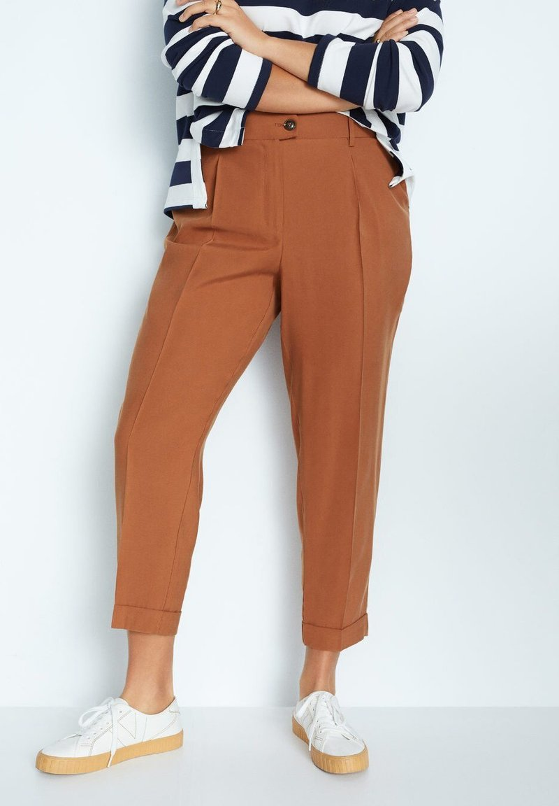 Violeta by Mango - PLEAT - Trousers - bräunliches orange