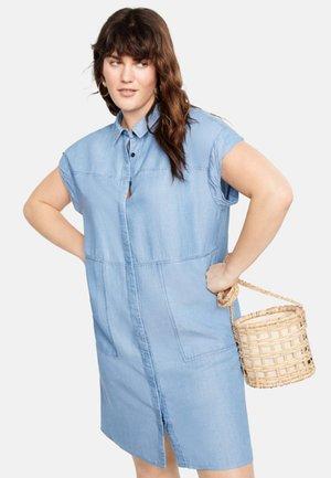 OHIO - Robe en jean - light blue