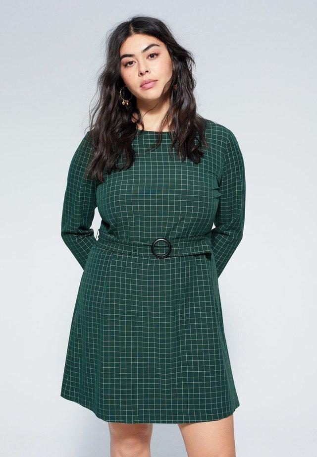 DARK - Korte jurk - green