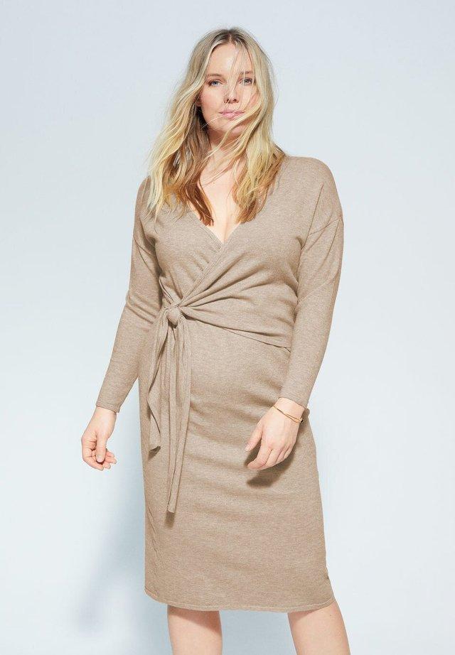 BOW - Korte jurk - mittelbraun