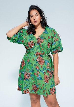 INDIANA - Vapaa-ajan mekko - groen