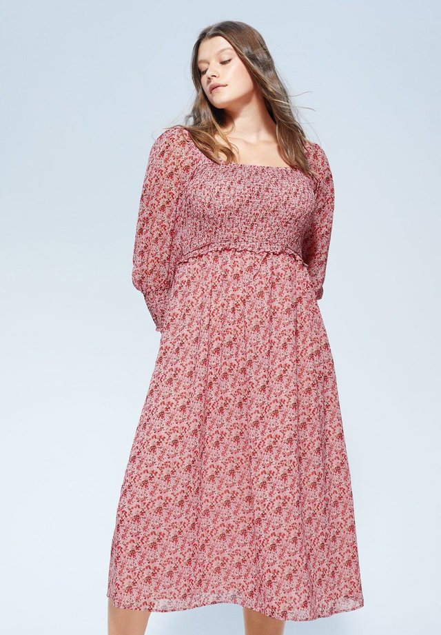 GOMIS - Korte jurk - rosa