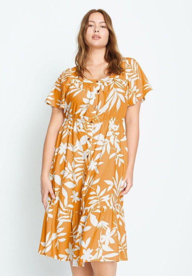 BUCARA - Sukienka koszulowa - gelb
