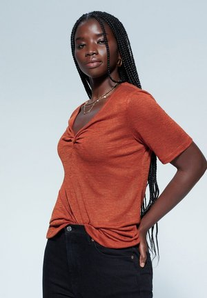 VUELTA - T-shirt basique - oranjebruin