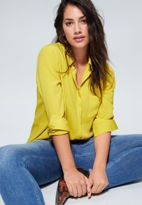 Violeta by Mango - SEDI - Button-down blouse - lime - 3