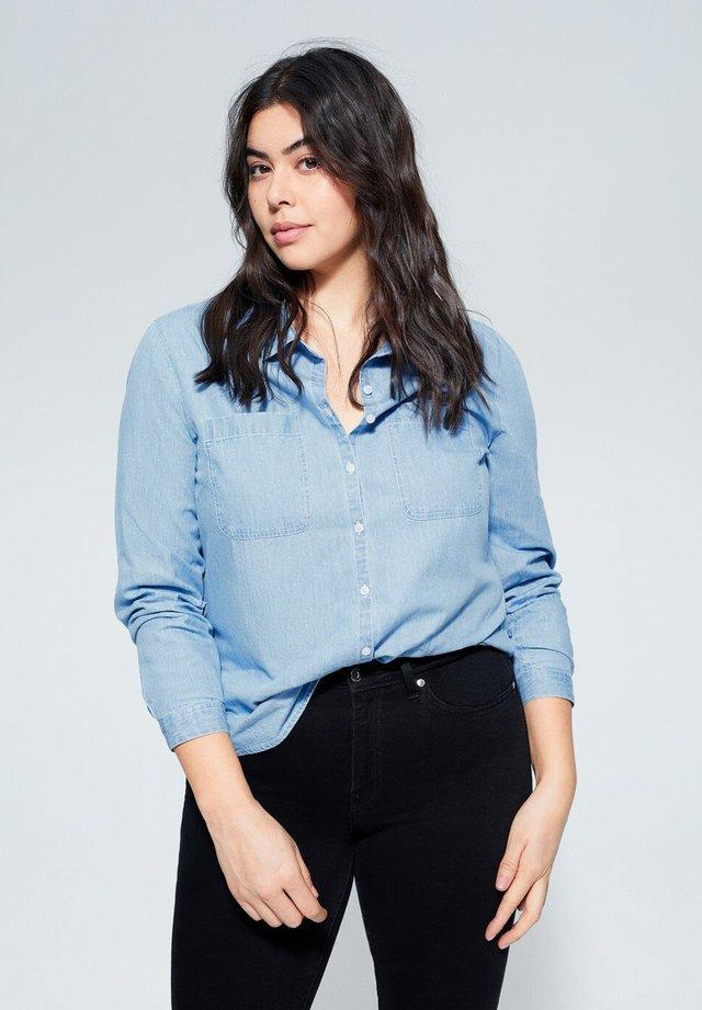 ESTRELLA - Button-down blouse - mittelblau
