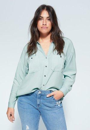 APRILE - Skjortebluser - pastellgrün
