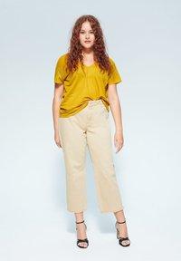 Violeta by Mango - BEGO - T-shirts print - mosterd - 1