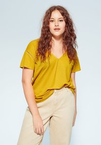 Violeta by Mango - BEGO - T-shirts print - mosterd - 0