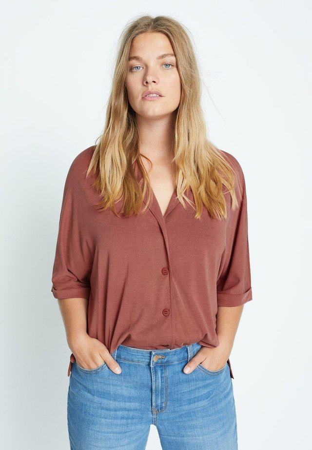 CUPER - Button-down blouse - granatrot