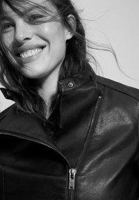 Violeta by Mango - BARROW - Faux leather jacket - black - 3