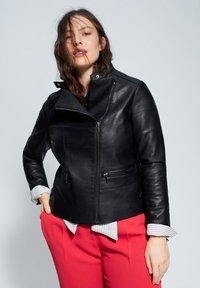 Violeta by Mango - BARROW - Faux leather jacket - black - 4