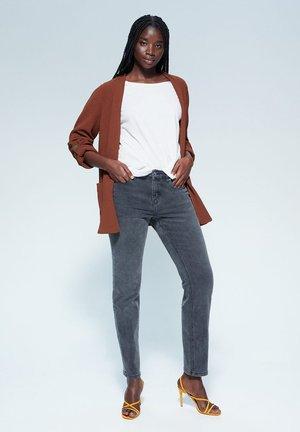 CONGUI - Korte frakker - braun