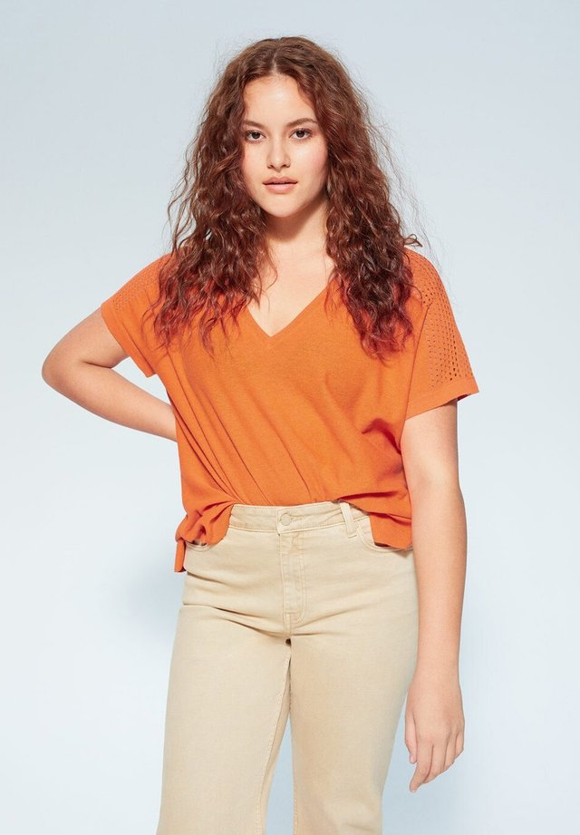 DAMN - Trui - orange