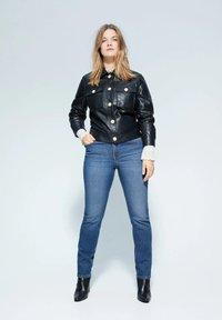 Violeta by Mango - SUSAN - Jeans Slim Fit - dark blue - 0