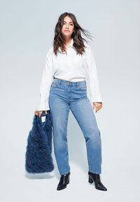 Violeta by Mango - RELAXED FIT JEANS ELY - Relaxed fit jeans - mittelblau - 1