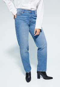 Violeta by Mango - RELAXED FIT JEANS ELY - Relaxed fit jeans - mittelblau - 0