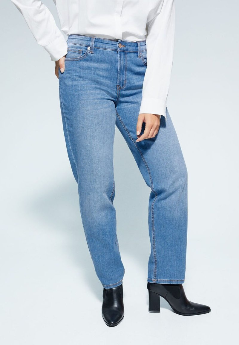 Violeta by Mango - RELAXED FIT JEANS ELY - Relaxed fit jeans - mittelblau