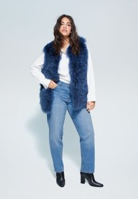 Violeta by Mango - RELAXED FIT JEANS ELY - Relaxed fit jeans - mittelblau - 3