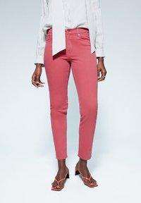 Violeta by Mango - JULIA - Jeans Slim Fit - orange - 0
