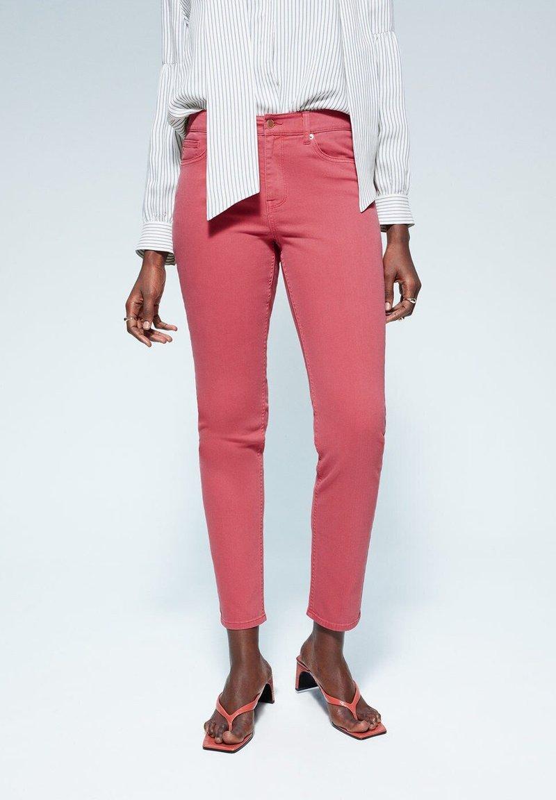 Violeta by Mango - JULIA - Jeans Slim Fit - orange