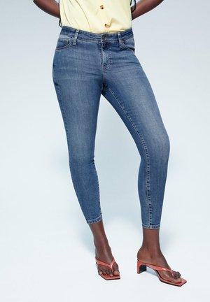 KYLIE - Jeans Skinny Fit - mittelblau