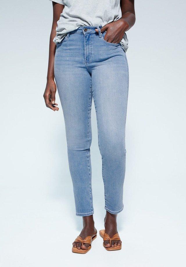 VALENTIN - Slim fit jeans - lichtblauw