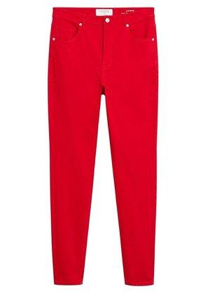 LORENAC - Jeans slim fit - rot