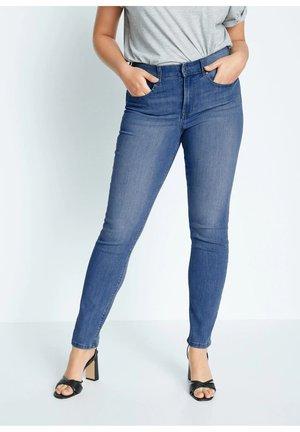 SUSAN - Jeans Slim Fit - mittelblau